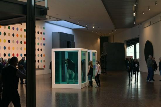 Arken med bl.a. Damien Hirst